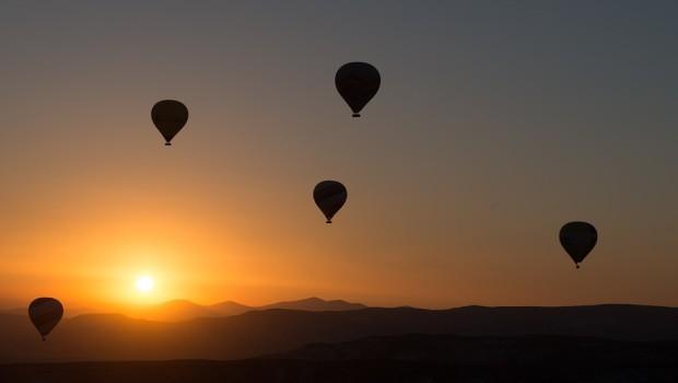 hot-air-ballooning-436442_960_720
